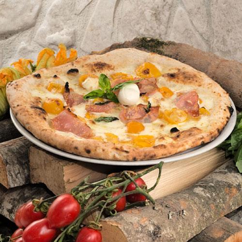 Pizza Tonino con pomodorini gialli del piennolo