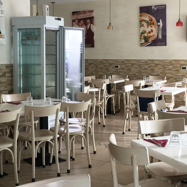 Sala interna della pizzeria gigino e figli di napoli