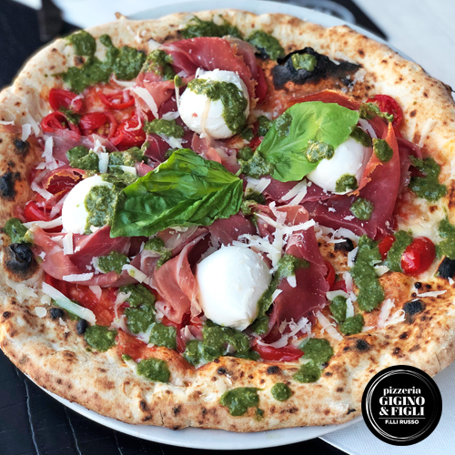 Pizza Summer Special, pizza con crema di basilico artigianale
