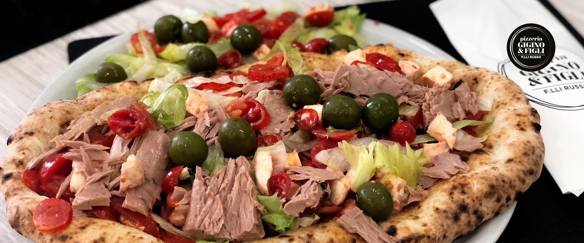 Bruschettone, la pizza a forma di bruschetta di agosto della pizzeria di Napoli Gigino&Figli